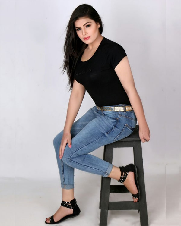 Simran escorts in Gurgaon